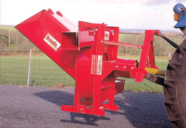 Lightning Small Bale Shredder
