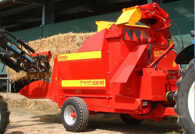 Tomahawk 8080WB Wide Body Feeder Bedders