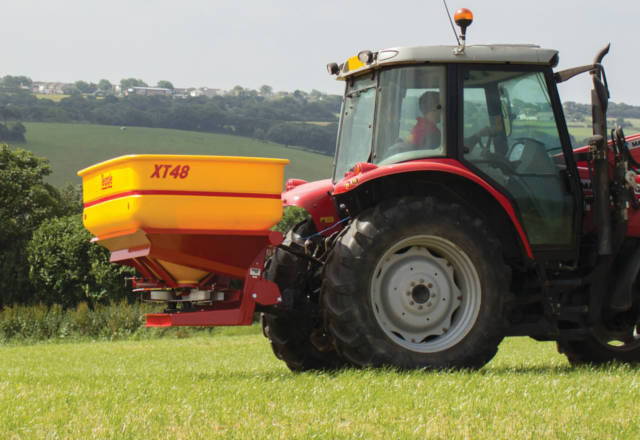 Fertiliser Spreaders Hover